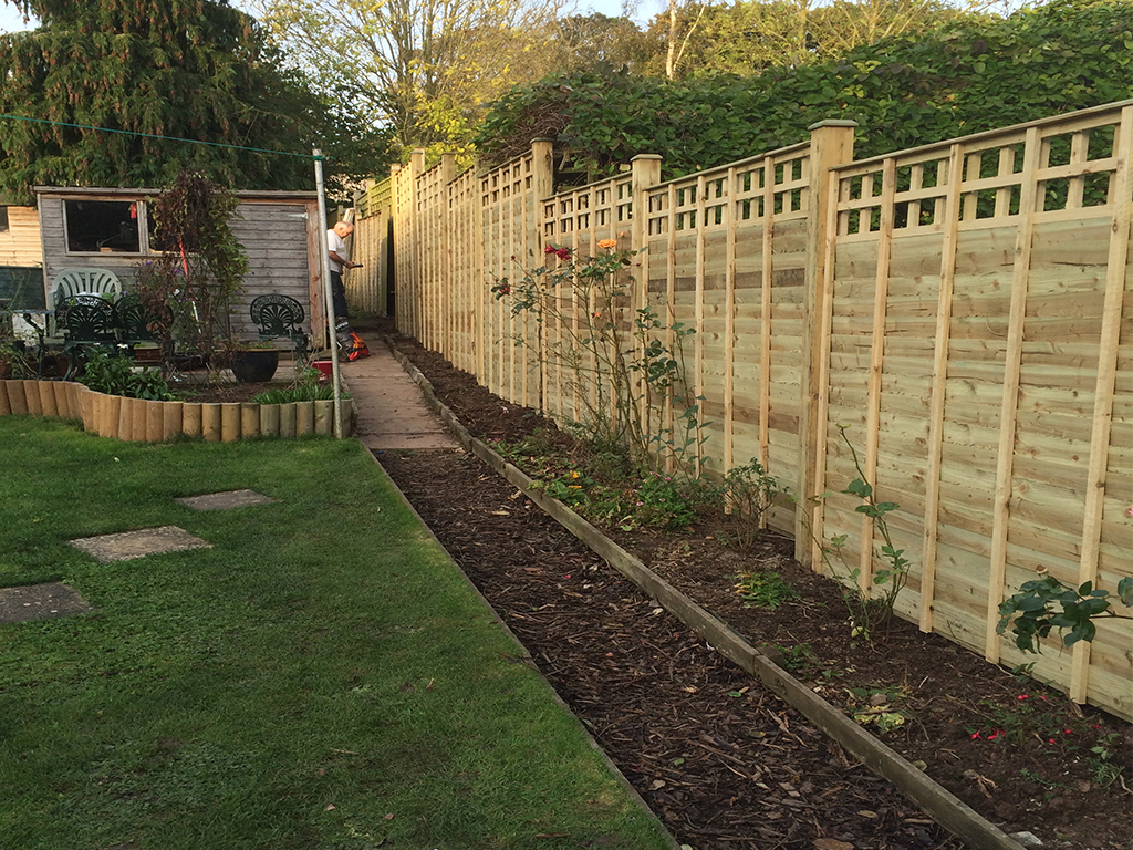 Square Trellis top over lap panel fencing