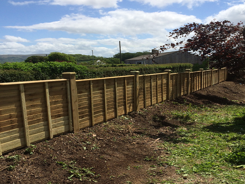 Three foot high Panel fencing, 4x4post w2w caps